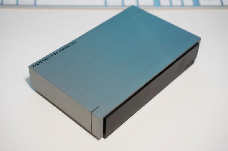外付けHDDはデザインで選ぶ時代!?LaCieのUSB3.0対応オシャレHDD「LCH-FPS040U3A」(Porscheデザイン)がやってきた!開封レビュー!