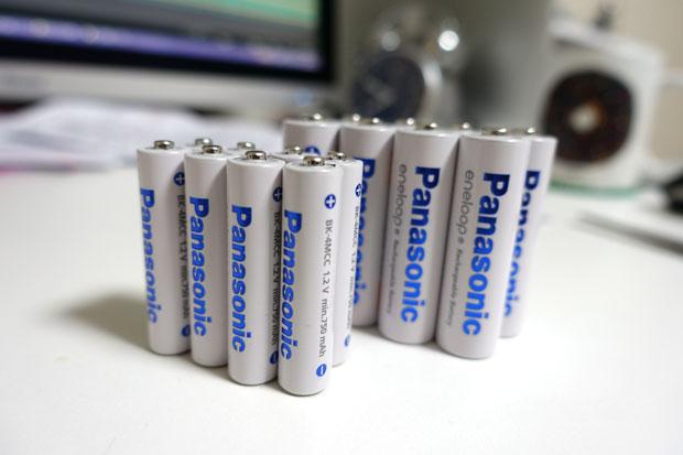 時代は充電池だ!eneloop単3形 4本付急速充電器セット『K-KJ21MCC40』を買ってみた!