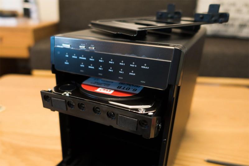 初心者でも簡単にRAID構築!ロジテックの多段HDDケース『LHR-4BRHEU3』買ってみた!